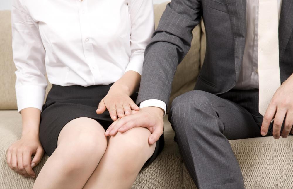 сексуальное домогательство смотреть